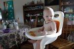dziecko w krzesełku