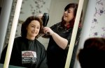 fryzjerka - modelowanie włosów